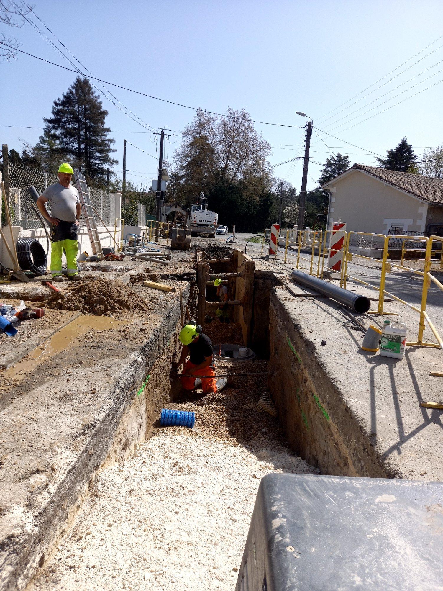 Travaux de Renouvellement du réseau d'eau et extension du réseau d'assainissement rue Robert BOULIN à COUTRAS